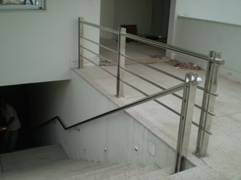 Procuro por Corrimão para Escada de Inox Baixo Guandu - Corrimão de Inox para Banheiro