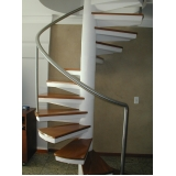 escada de aço corten