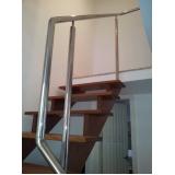 escada de aço inox caracol